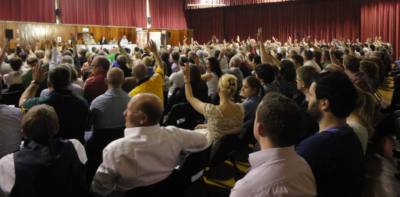 audience not in support of Quinn at West Belfast Talks Back