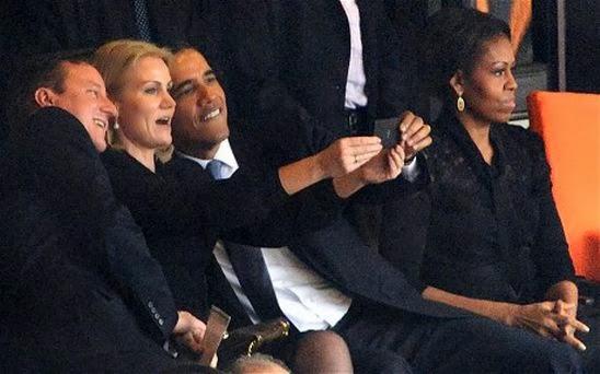 Mandela Obama selfie