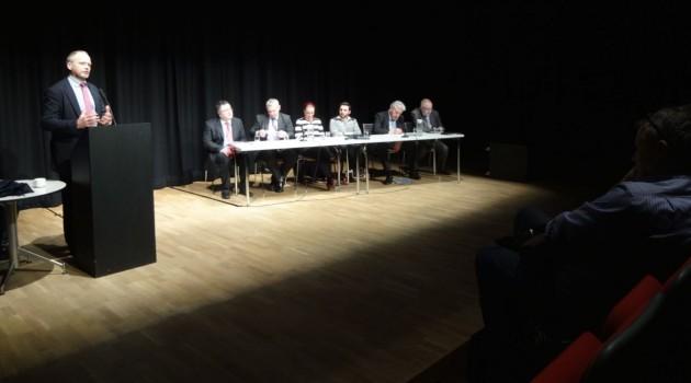 Trevor Ringland introducing panel
