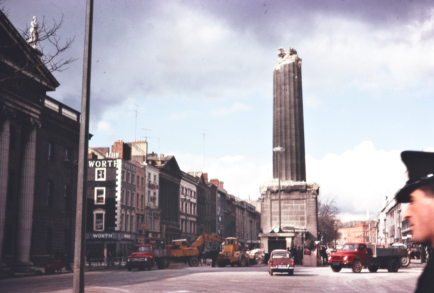 A_half-demolished_Nelsons_Pillar_on_OConnell_Street,_Dublin